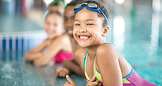 children in swimming lessons