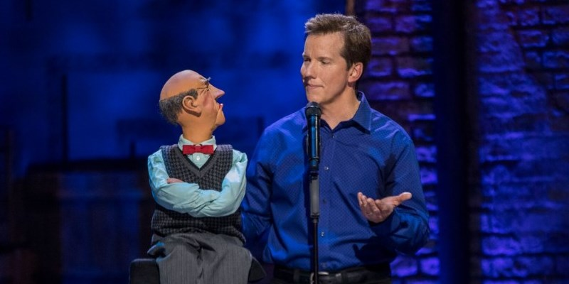 Jeff Dunham conversing with Dummy